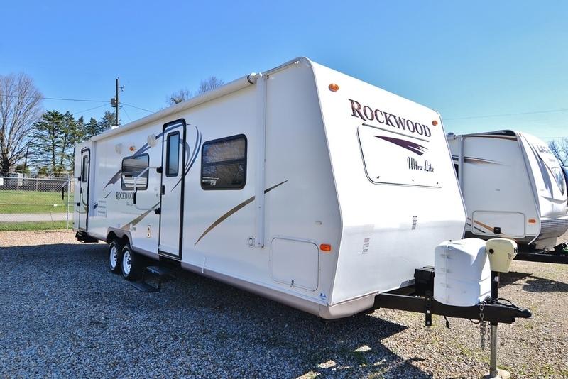 2010 Forest River Rockwood 2702