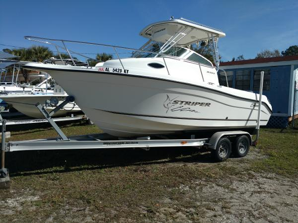 2004 Seaswirl 2101 Striper