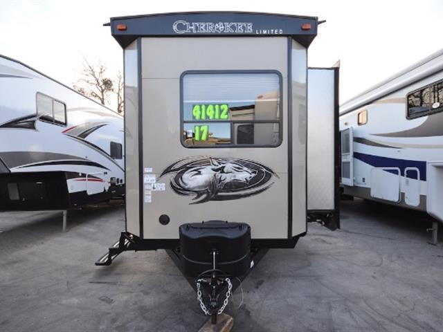 2017 Cherokee 39 KR, 2