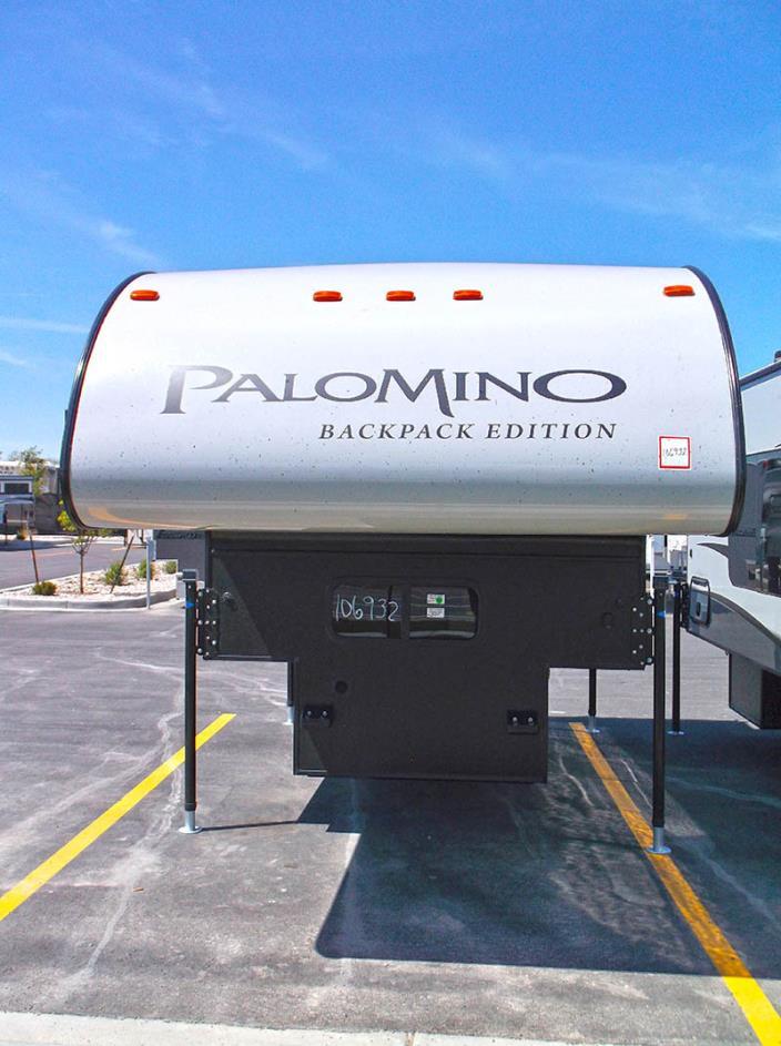 2017 Palomino HS-800