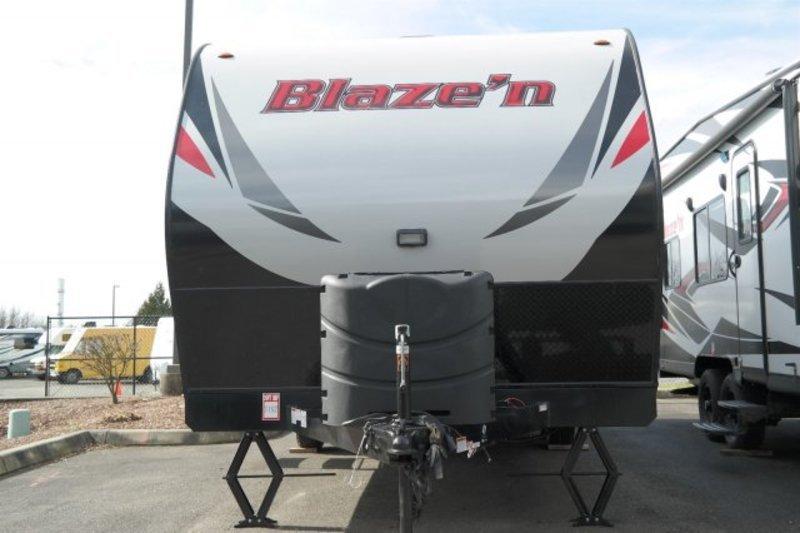 2017 Pacific Coachworks Blazen Blaze'n Toy Hauler 22FS