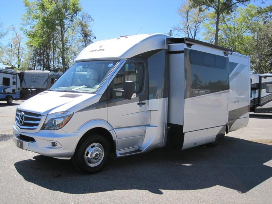 2017 Leisure Travel Vans Unity U24FX (B-PLUS)