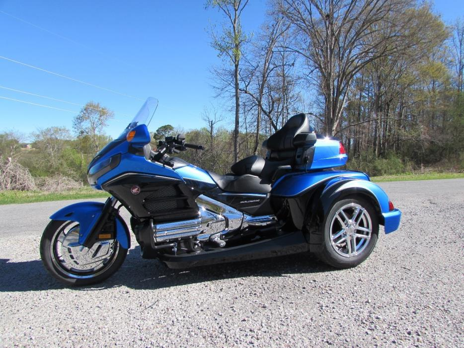 2017 Honda GOLDWING GL1800 ROADSMITH HTS TRIKE WITH RUNNING BOARDS
