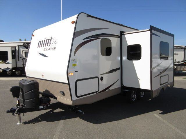 2018 Forest River Rockwood Mini Lite 2104S SOLID SURFACE