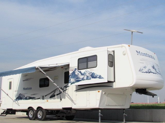 Keystone montana rvs for sale in kansas Montana 5th wheel front living room