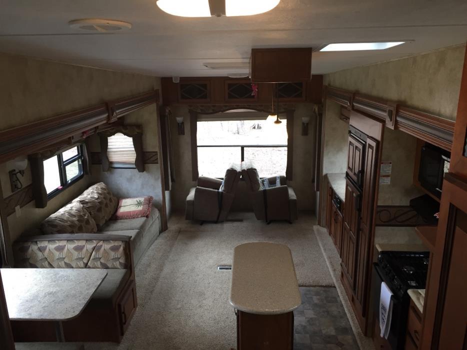2012 Keystone LAREDO 324RL