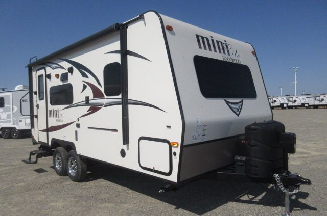 2018 Forest River Rockwood Mini Lite 2109S SOLID SURFACE /