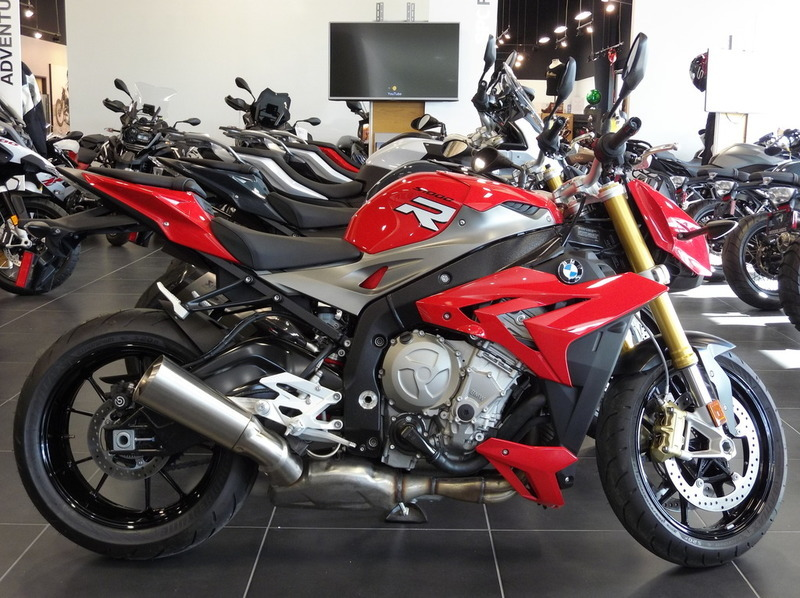 2016 BMW S 1000 R Premium Racing Red