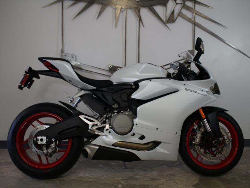 2017 Ducati 959 Panigale Arctic white silk