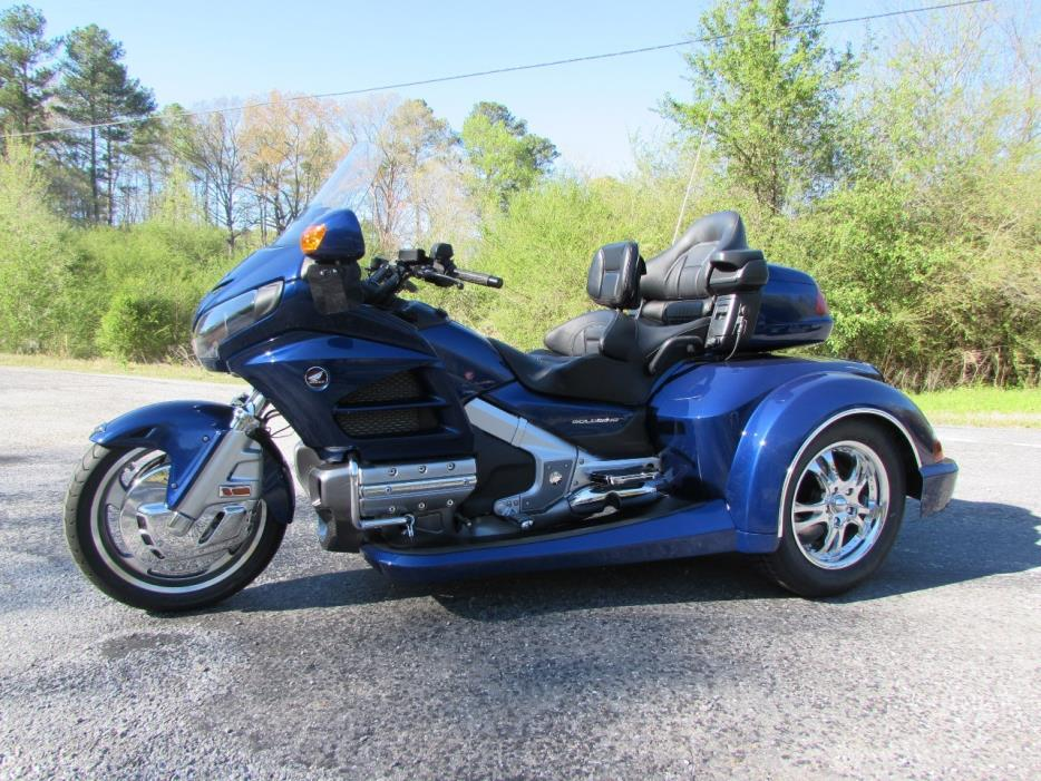 2014 Honda GOLDWING GL1800 ROADSMITH HTS TRIKE WITH RUNNING BOARDS