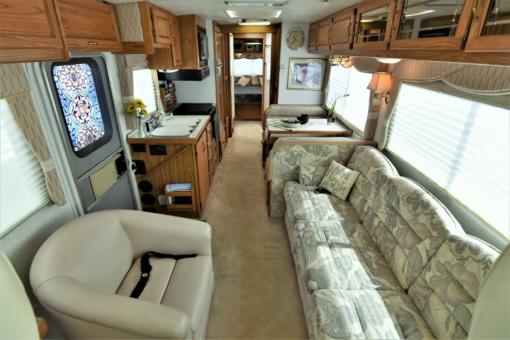 1997 Airstream Land Yacht 33JLY