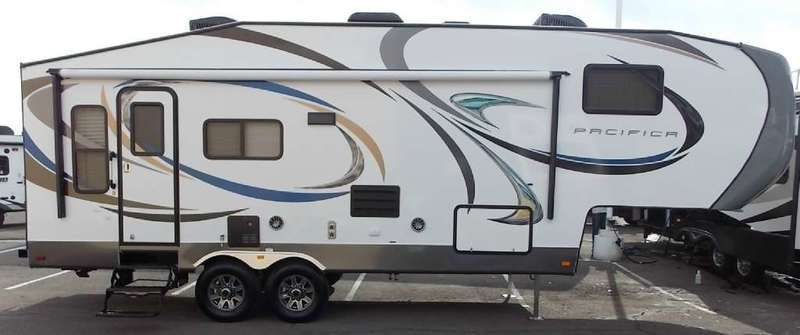 2015 Pacific Coachworks Pacifica 5th 265RE