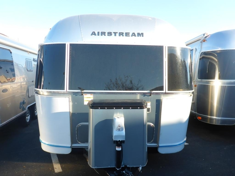 2017 Airstream Flying Cloud FC 27JWBFB Queen