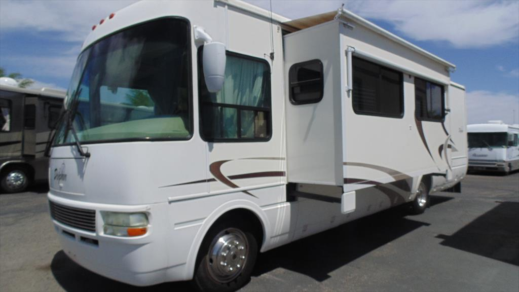 2004 National Rv Dolphin 5355 w/2 slds