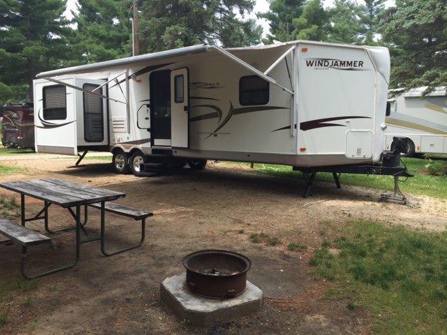 2011 Forest River ROCKWOOD WINDJAMMER 3065W