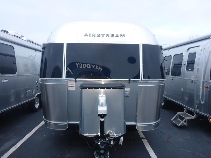 2017 Airstream International Signature IN 25AWB Queen SIG