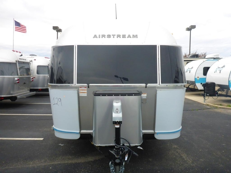 2017 Airstream Flying Cloud FC25BWBFB Twin Beds Rear