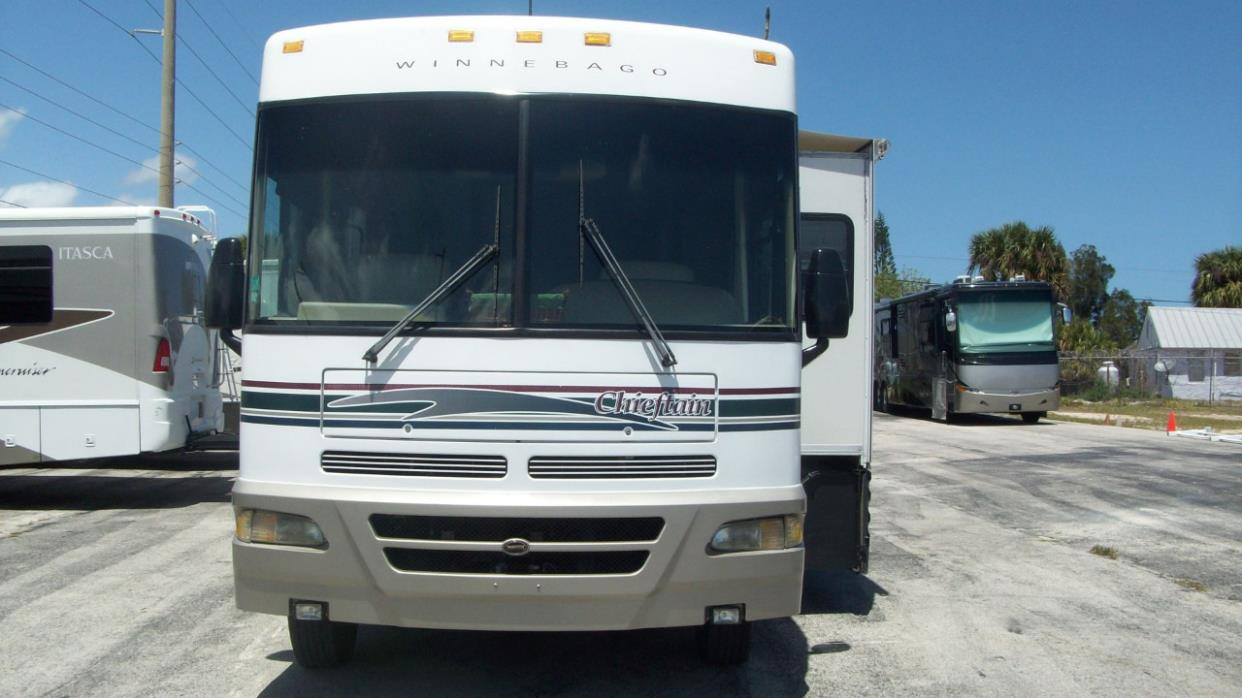 2000 Winnebago CHIEFTAIN 35U