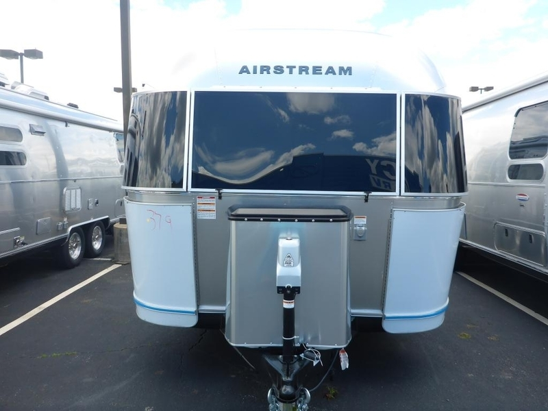 2017 Airstream International Serenity IN 25WBFB Quenn Front