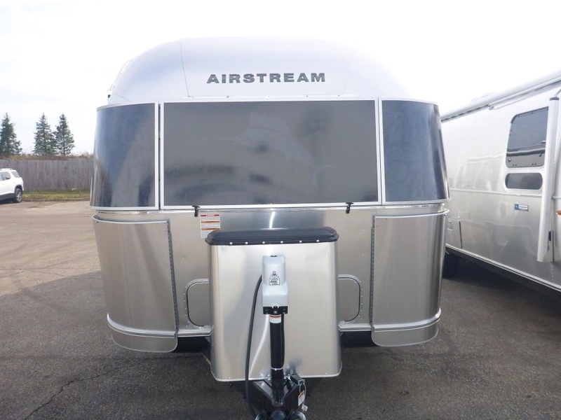 2017 Airstream Tommy Bahama 27JWBFB Queen