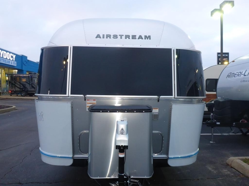 2017 Airstream International Serenity IN 27AWBFB Frontqueen Serenity