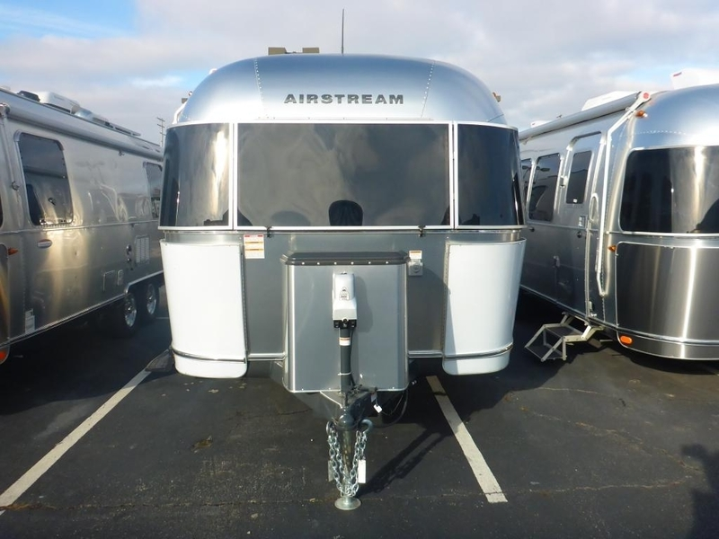 2016 Airstream Flying Cloud FC 28AWBFC Twin Rear