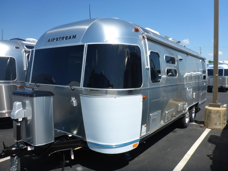 2017 Airstream International Serenity 28 Twin