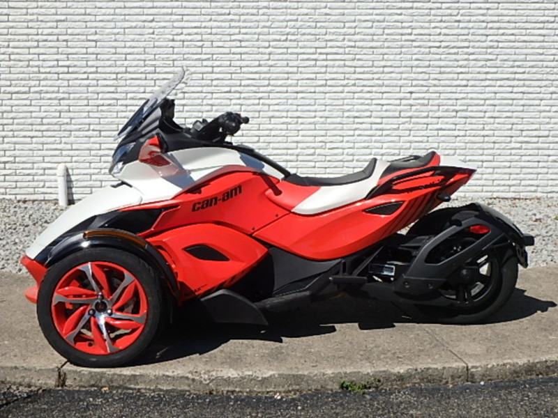 2015 Can-Am Spyder ST-S Special Series 5 Speed Semi-Automatic (SE5)