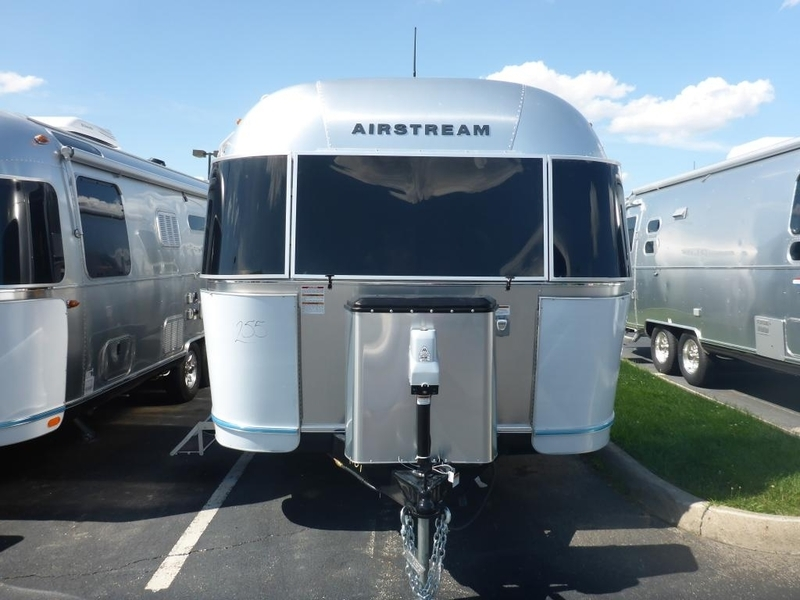 2017 Airstream Flying Cloud FC 25AWB Twin Rear