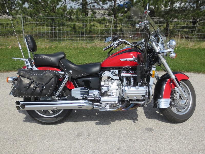 2000 Honda GL1500C2