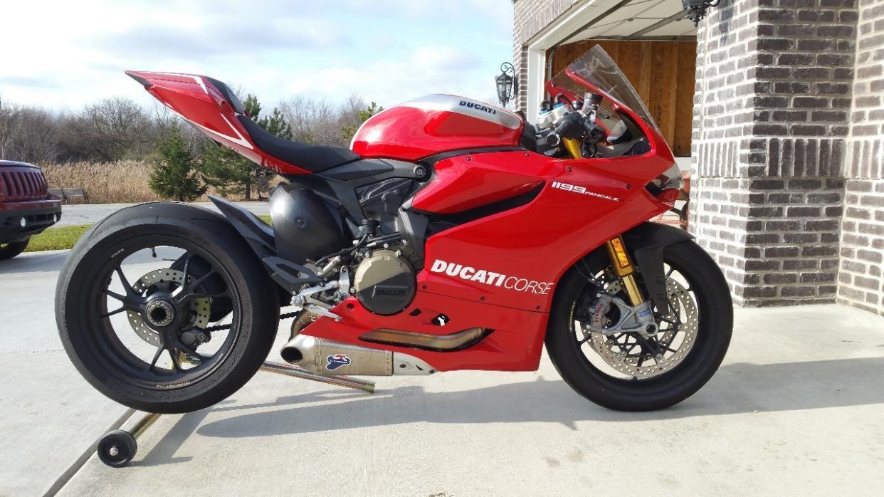 2014 Ducati SUPERBIKE 1199 PANIGALE R