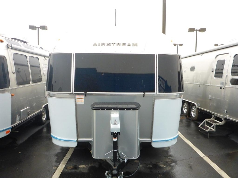 2017 Airstream International Serenity IN 30WWB Queen Rear Ser.