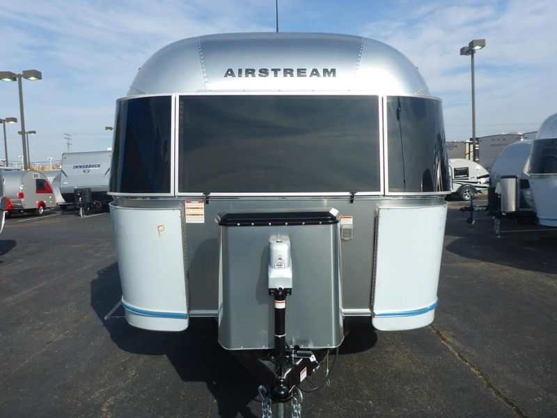 2017 Airstream Flying Cloud IN 28WB6S Queen Rear FC