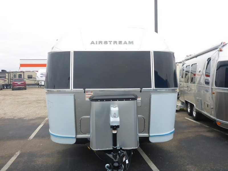 2017 Airstream Flying Cloud FC 28AWBFC Twin Rear Pano