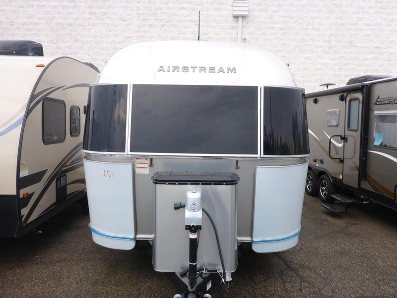 2017 Airstream Flying Cloud FC 23CNB DBL Corner