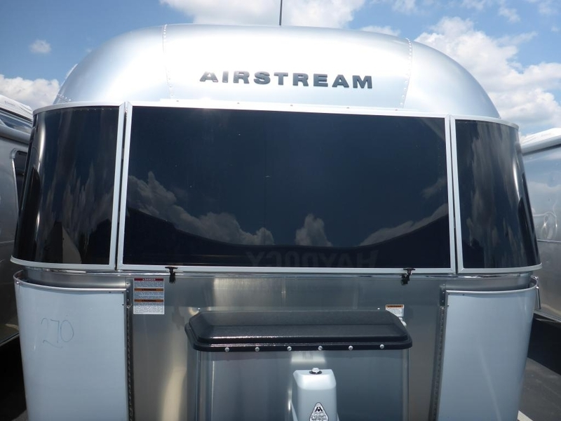 2017 Airstream Flying Cloud FC BWB Queen Rear