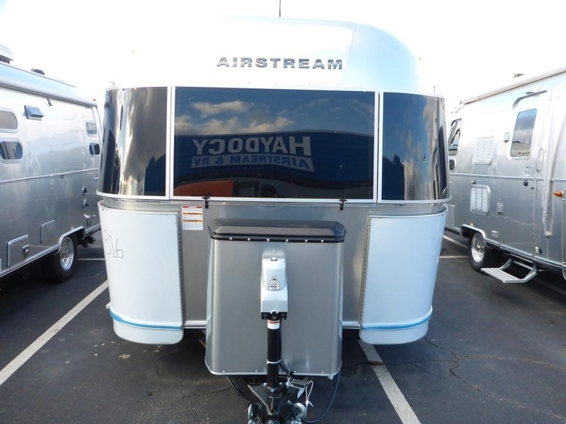 2017 Airstream Flying Cloud FC 19CNB Cornear Rear