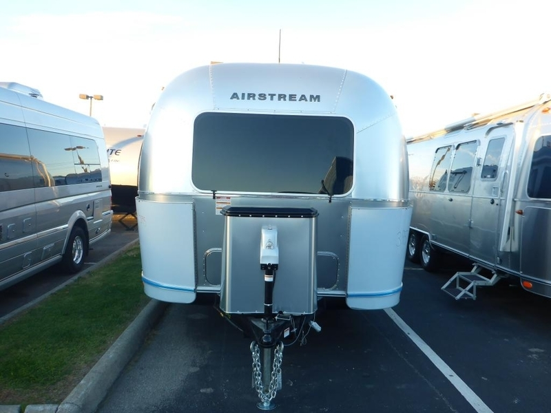 2017 Airstream Flying Cloud 30FB Bunk