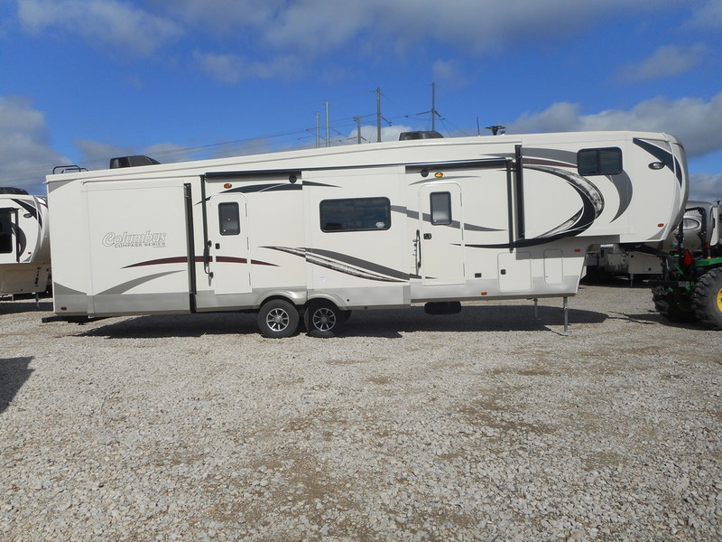 2017 Palomino Columbus Fifth Wheel 366RL