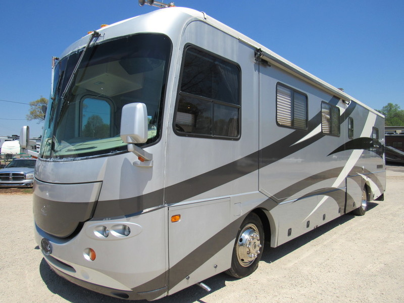 2004 Coachmen Forest River Cross Country 376DS