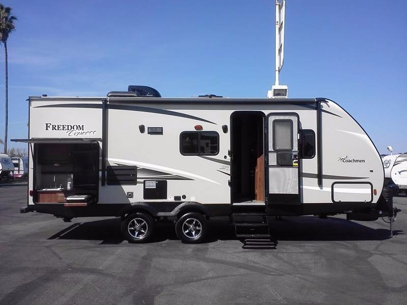 2017 Coachmen Freedom Express 231RBDS