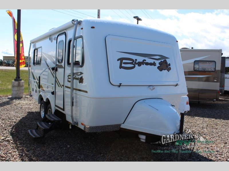 2018 Bigfoot Industries Bigfoot 2500 Series Travel Trailer 25B21RB