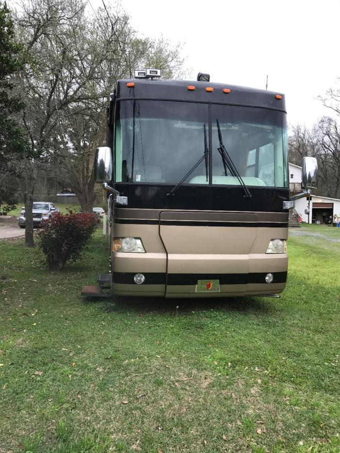 2005 Mandalay Coach 39' TRIPLE SLIDE
