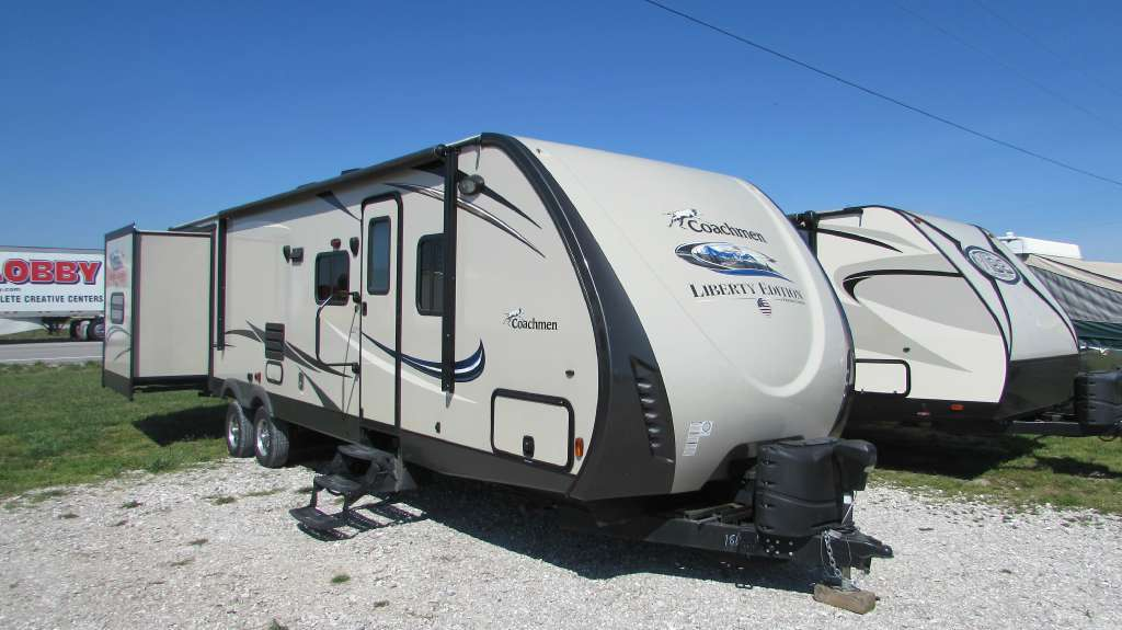 2015 Coachmen Freedom Express Liberty Edition 312BHDS