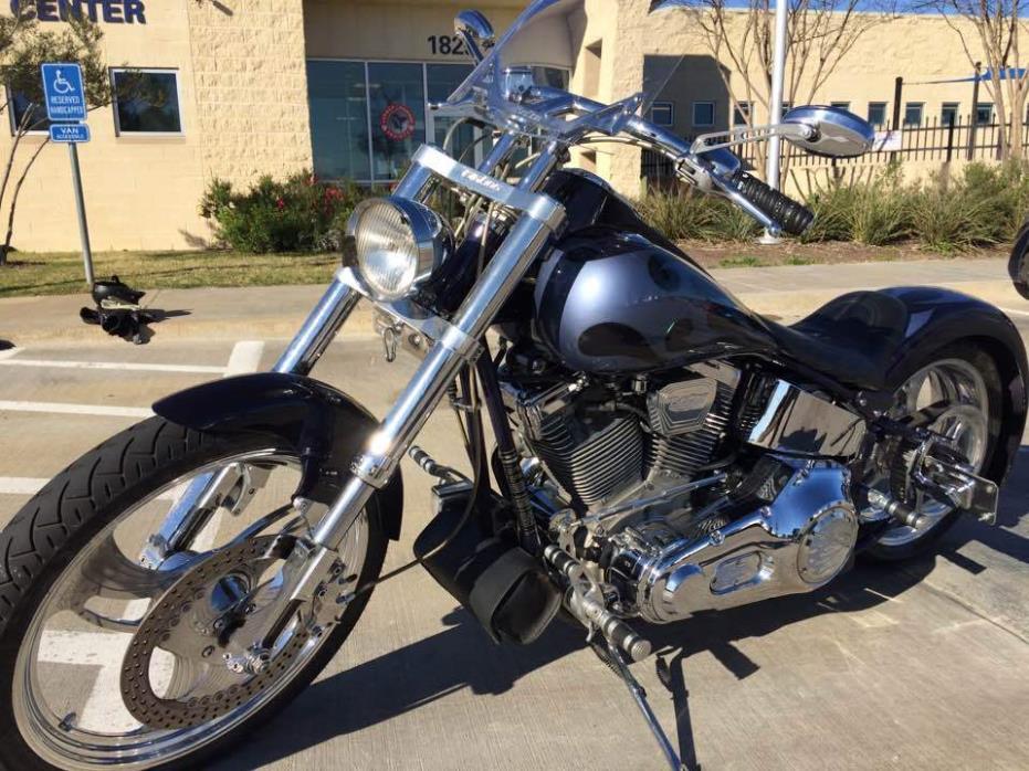 2000 Big Dog Motorcycles BULLDOG, 3