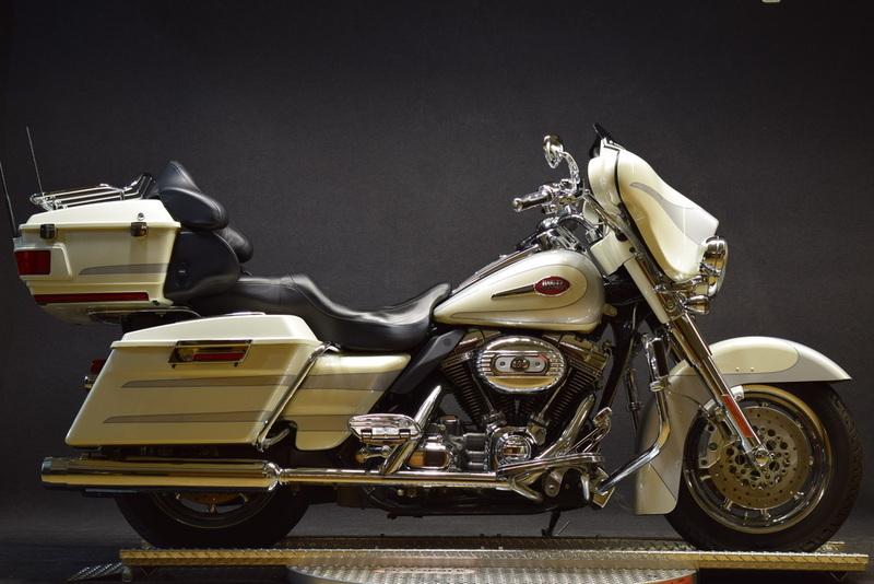 2008 Harley-Davidson FLHTCUSE3 - Ultra Classic Screamin' Eagle Electra Glide