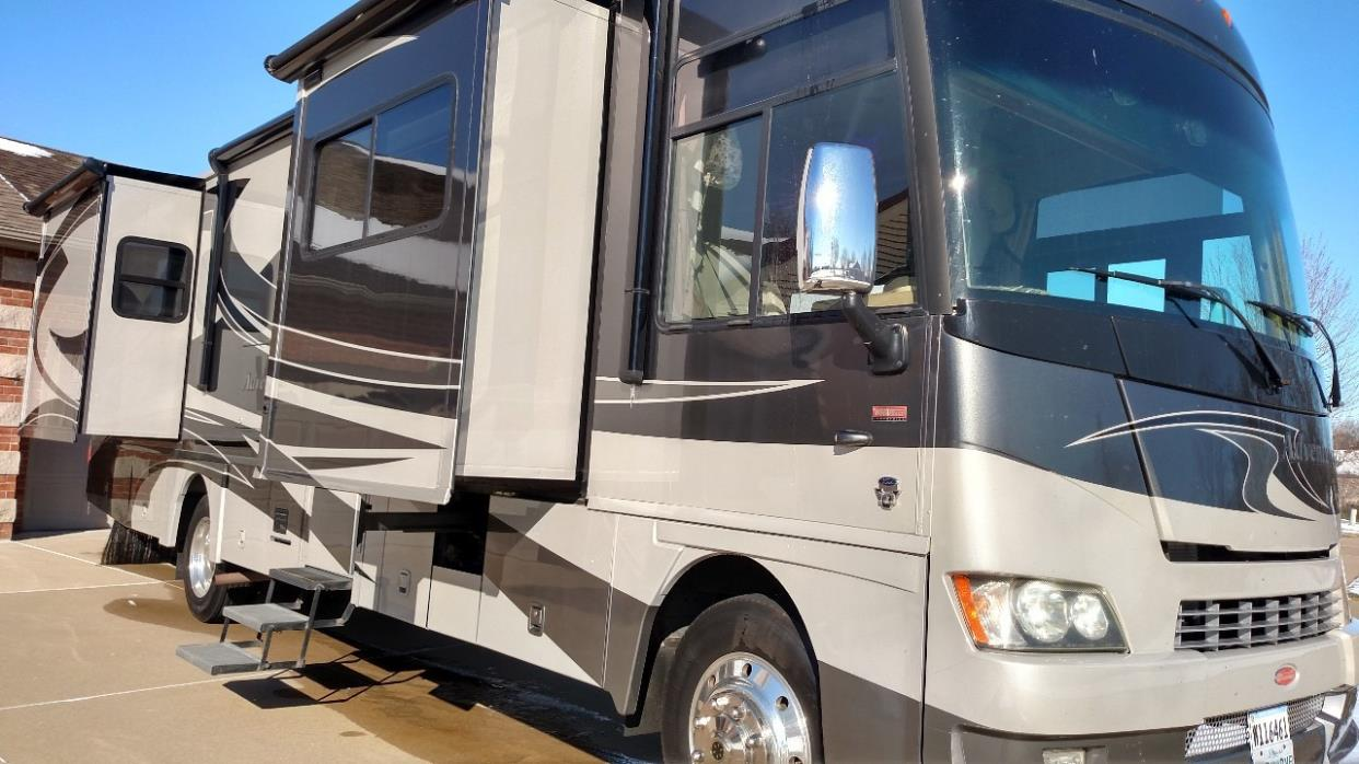 2011 Winnebago ADVENTURER 35P
