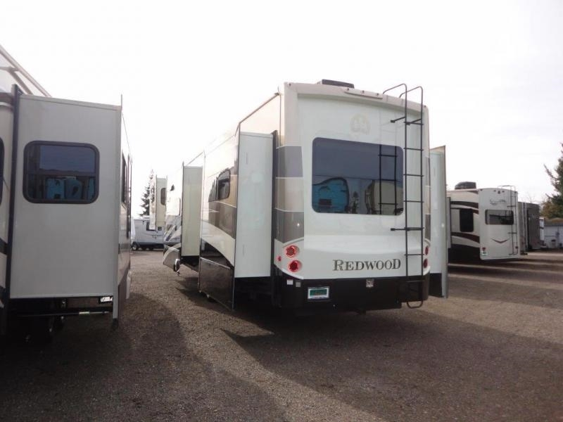 2016 Redwood Redwood 39FL, 2
