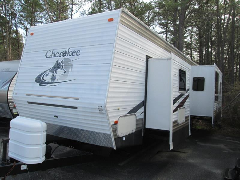 2005 Forest River Cherokee 36L Rear Living Double Slide-out