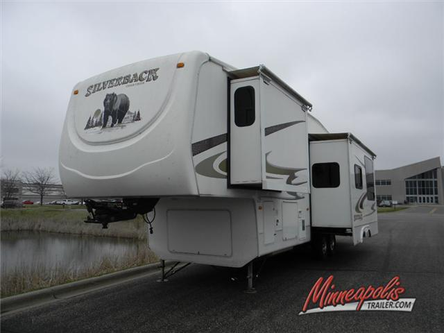 2009 Forest River Rv Cedar Creek Silverback 33LBHTS